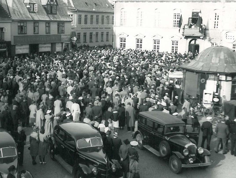 Alsang på Axeltorv august 1940