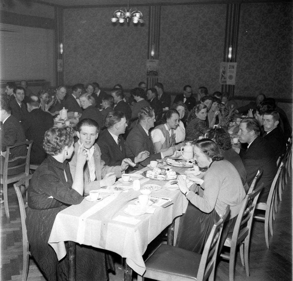 DSU fest i forsamlingsbygningen 1957