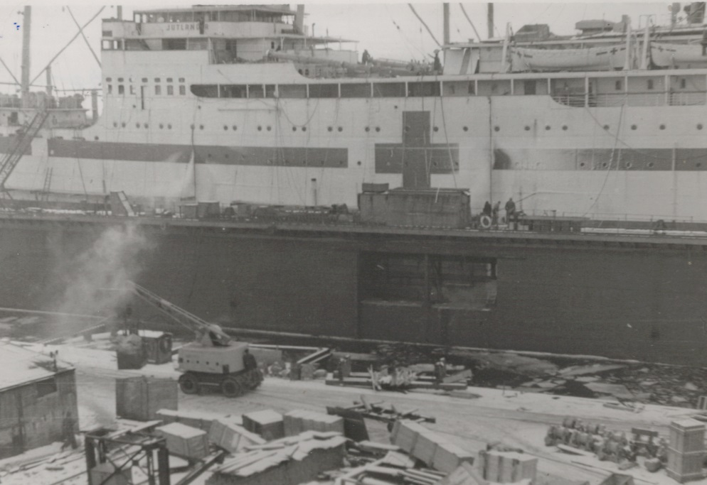 Jutlandia ombygges til fragtskib i 1954
