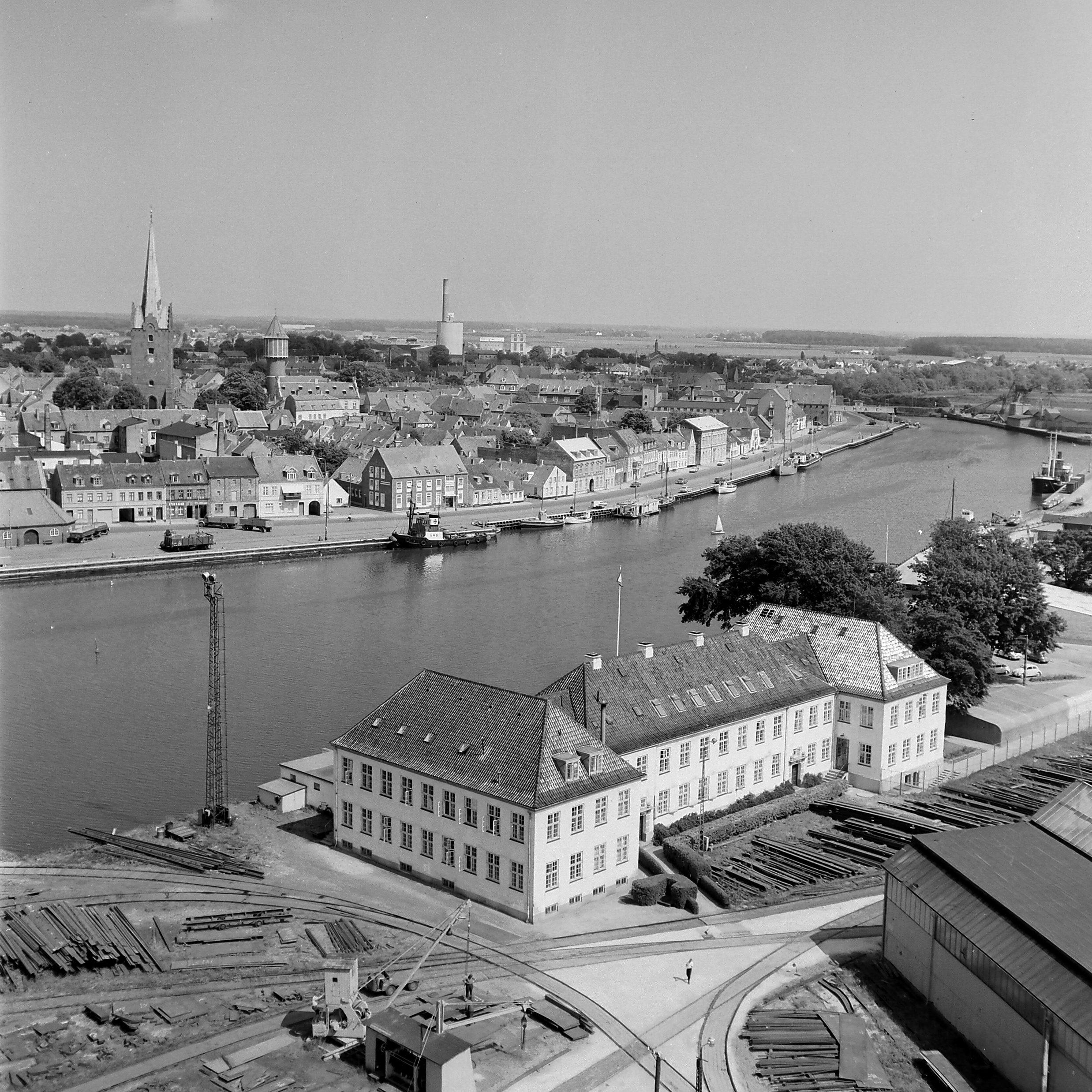 Nakskov Skibsværfts administrationsbyning